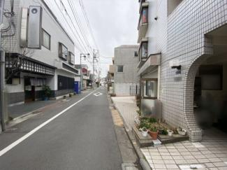 【前面道路含む現地写真】新宿区下落合4丁目 中古戸建