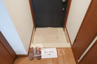 日神デュオステージ新宿若松町の玄関です