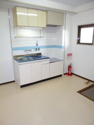 粟田ハイツ301号室