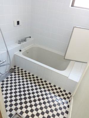 【浴室】中町5丁目戸建