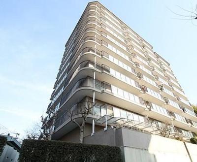 【現地写真】 鉄骨・鉄筋コンクリート造の43戸の分譲マンションです♪