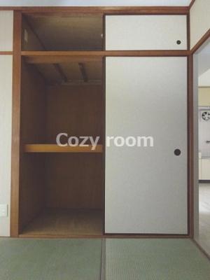 和室の収納、押入れです。