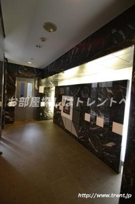 【エントランス】レジデンシャルステージ東新宿(アムス東新宿)