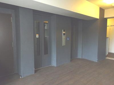 エレベーターが、2基あります。