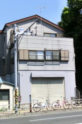 西舘ビル1F 横須賀市追浜町2丁目