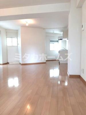 17.5帖の広いワンルーム 収納はあえて今回作りませんでした。ご自身で家具は用意ください。
