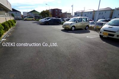 【駐車場】アムール赤山