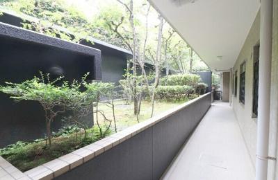 『パシフィックパレス荻窪』の廊下です。