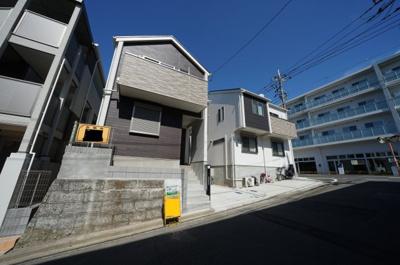 【外観】教育環境が整い、横浜駅・都心へアクセス良好!リビング18帖の3LDK♪保土ヶ谷区常盤台 全2棟新築戸建て