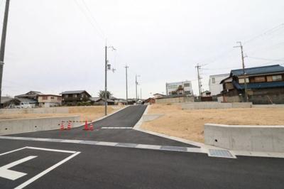 土地約49.09坪・西向き・前道幅約6mで駐車もラクラク
