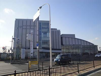 堺市東区役所 978m