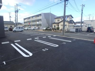 北区田中 ビバリーグランディーⅡ 3LDK 駐車場