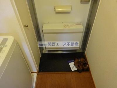 【玄関】レオパレスアルフ