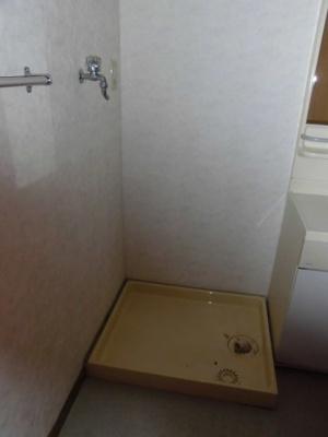 室内洗濯機置場もあります。