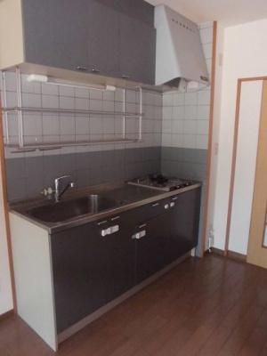 使いやすい大きさのキッチンです。