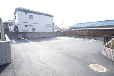 【外観】グレイスアムール駐車場