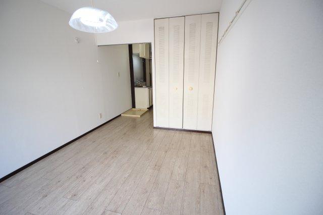 洋室6.0帖 寝室スペースにいかがでしょうか?
