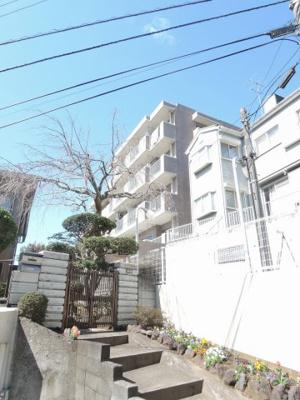 4階南向きにつき通風良好。晴れた日は富士山が見えます 独立性の高い洋室は子供部屋、書斎など多目的利用が可能♪