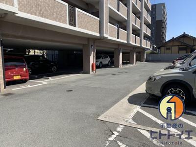 並列駐車場
