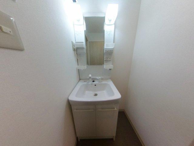 【洗面所】築浅ハイクラスレジデンスが17,000円で入居可能!