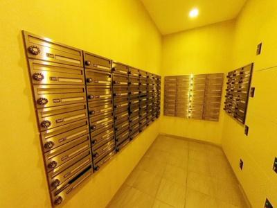 【その他共用部分】重厚感あるエントランスのマンションのお部屋はやはり良いお部屋♪