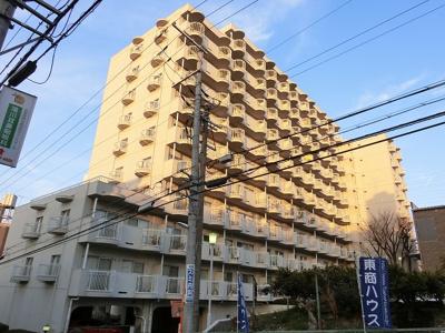 【現地写真】 鉄筋コンクリート造の10階建♪ 陽当たりに良いマンションとなっております♪
