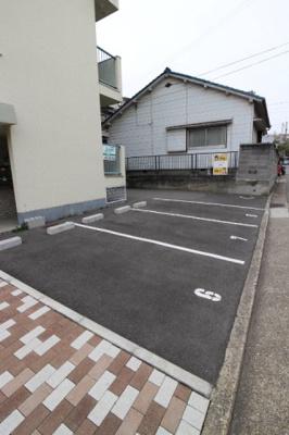 【駐車場】シャトールナ