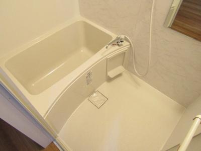 【浴室】下田部町4戸1貸家