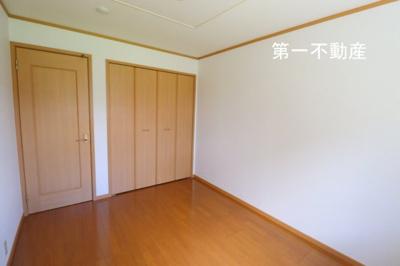 【洋室】プラムガーデンハウス