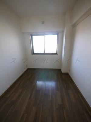 4.5帖の寝室です。広々クローゼット付です。