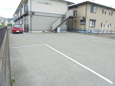 【駐車場】ジュネス新涯 B棟