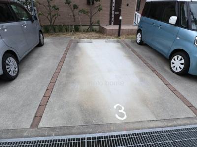 【駐車場】ベルローズ