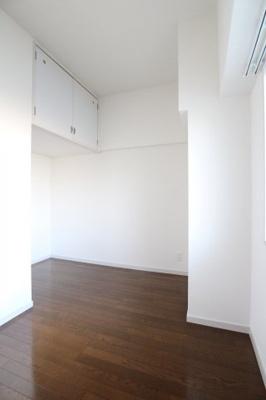 【寝室】エバーライフ博多駅南