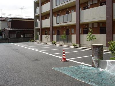【駐車場】SERAPIS BAY