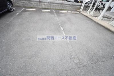 【駐車場】レオパレスナザレ