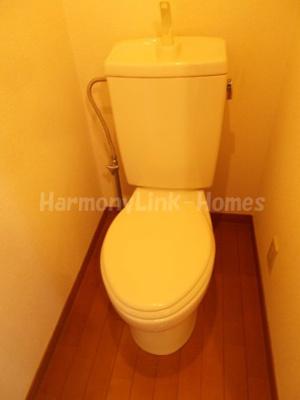 シエスタ新宿の清潔感のあるトイレです