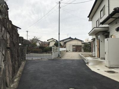 【前面道路含む現地写真】プライバシー×日当り 五郎丸1区画分譲地