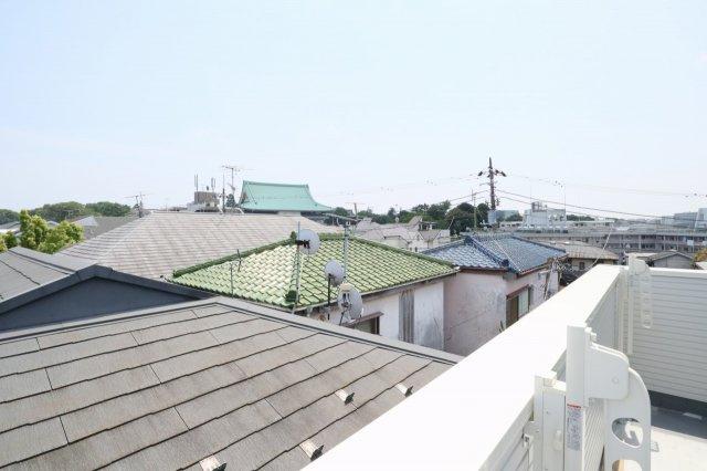バルコニーからの眺望です 現地(2021年05月)撮影