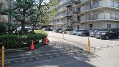 【駐車場】梅小路スカイハイツA西棟