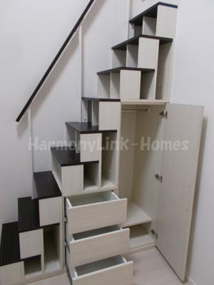 ブルベアガーデンの収納付き階段☆(別部屋参考写真)
