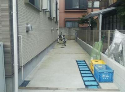 メゾン TAKANAの駐輪スペース