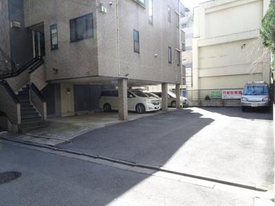 服部駐車場