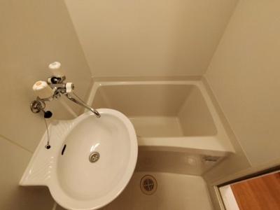 【浴室】レオパレスラピスラズリ高井田