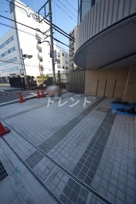 【エントランス】ザパークハビオ神楽坂