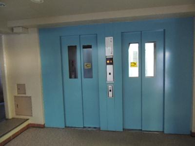 エレベーター2基付き!