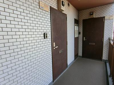 共用廊下(玄関前)