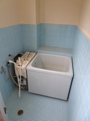 根岸マンション やっぱり嬉しいバストイレ別 お風呂はバランス釜です