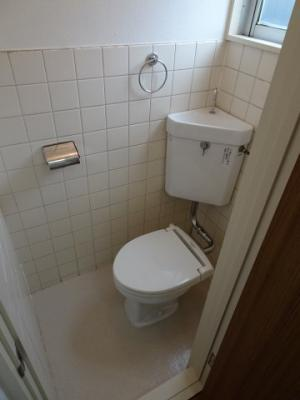 根岸マンション やっぱり嬉しいバストイレ別