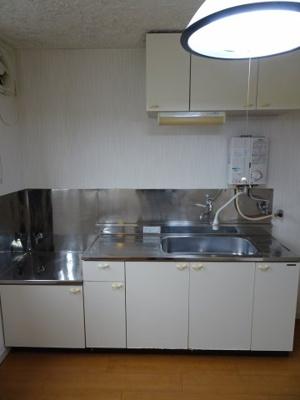 根岸マンション ガスコンロ設置可のワイドキッチン