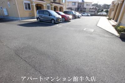 【駐車場】クリザンテームⅡ